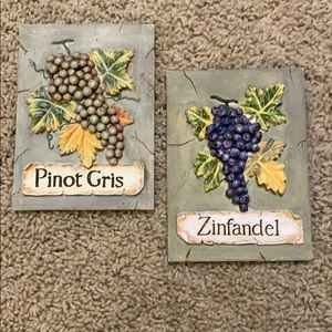 Pair of wine grapes tile wall decor